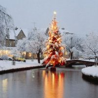 advent-2-christmas-in-bourton